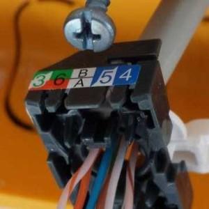 prise-RJ45-reseau-informatique-vizille-artisan