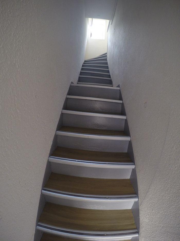 peinture-vizille-escalier