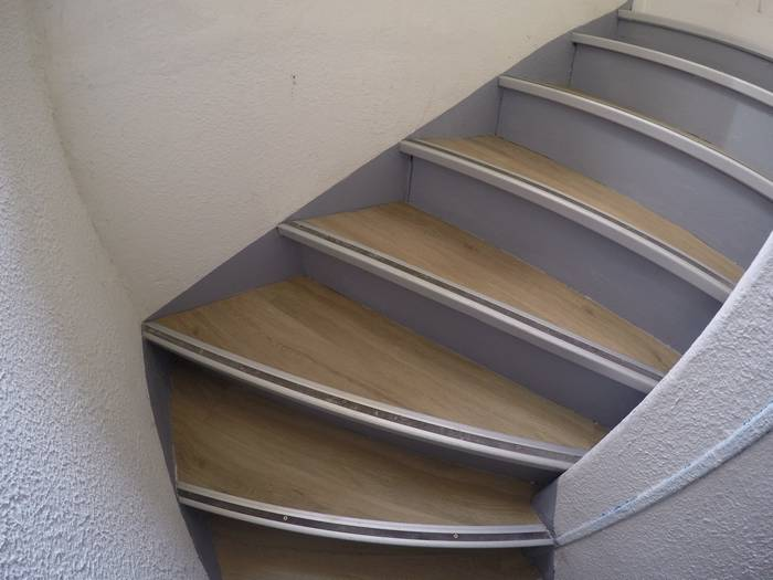 renovation-peinture-escalier-vizille